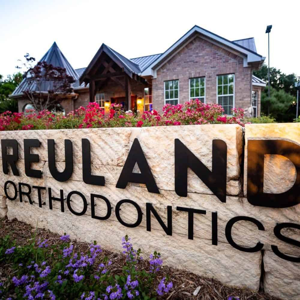 Reuland Orthodontics Exteriors 2018 1 2 1 1000x1000 - Our Orthodontic Office