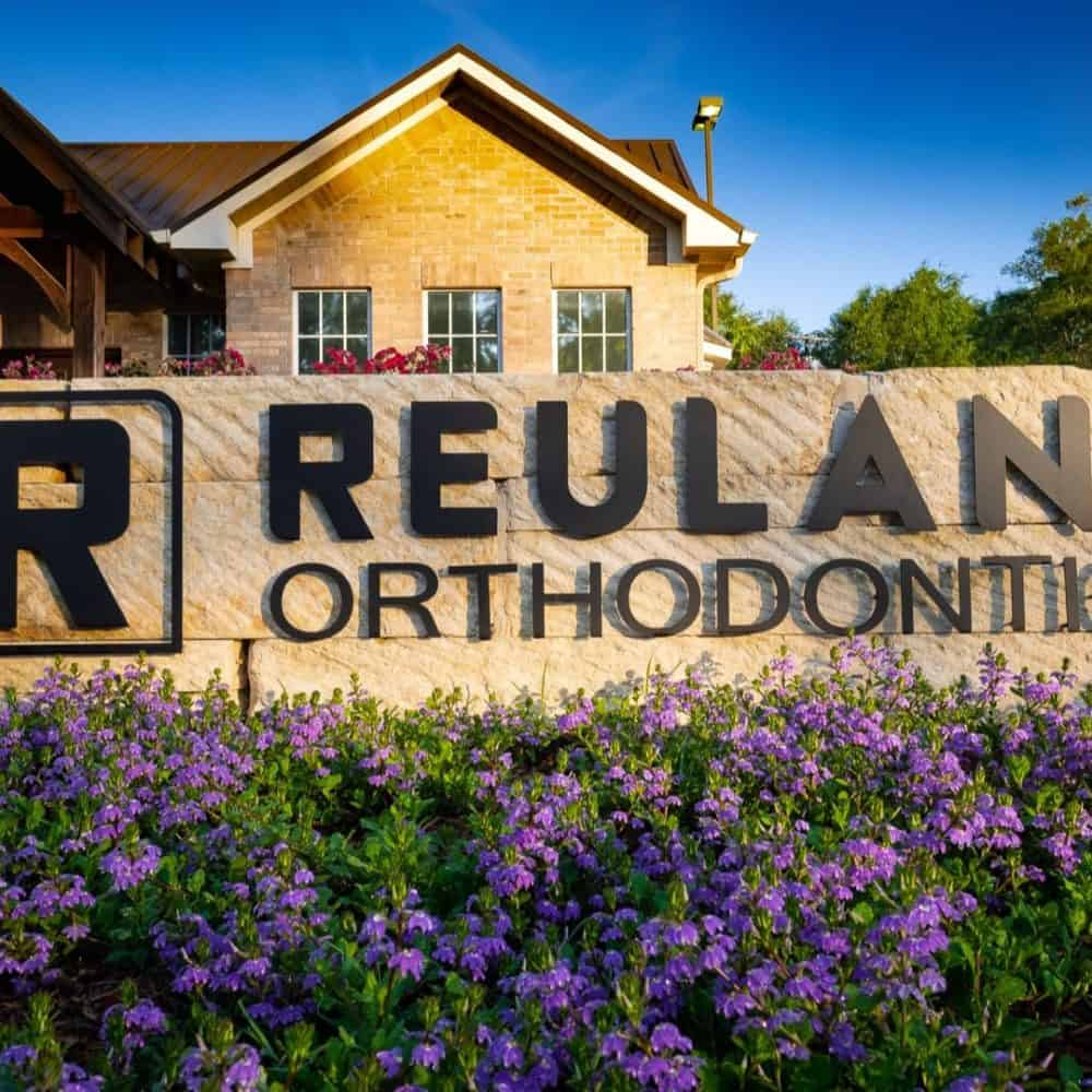 Reuland Orthodontics Exteriors 2018 4 1 1000x1000 - Our Orthodontic Office