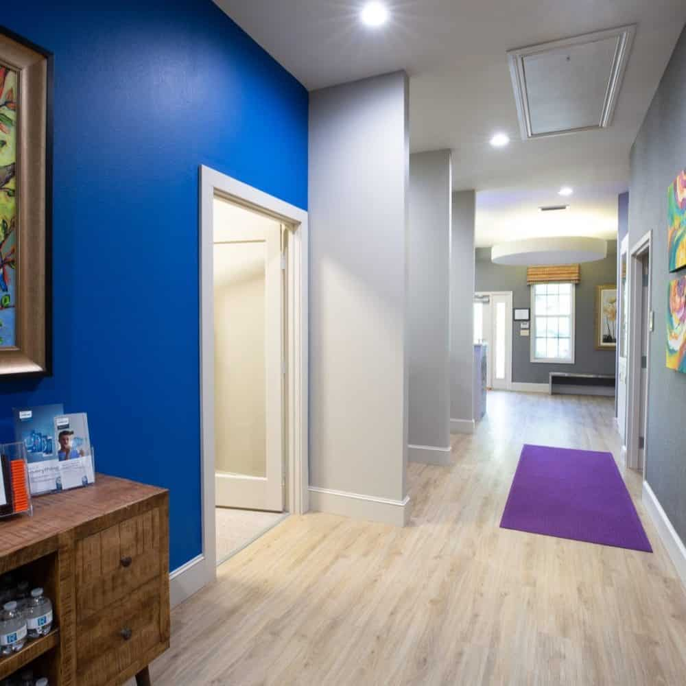 Reuland Orthodontics Interiors 2018 1 2 1000x1000 - Our Orthodontic Office