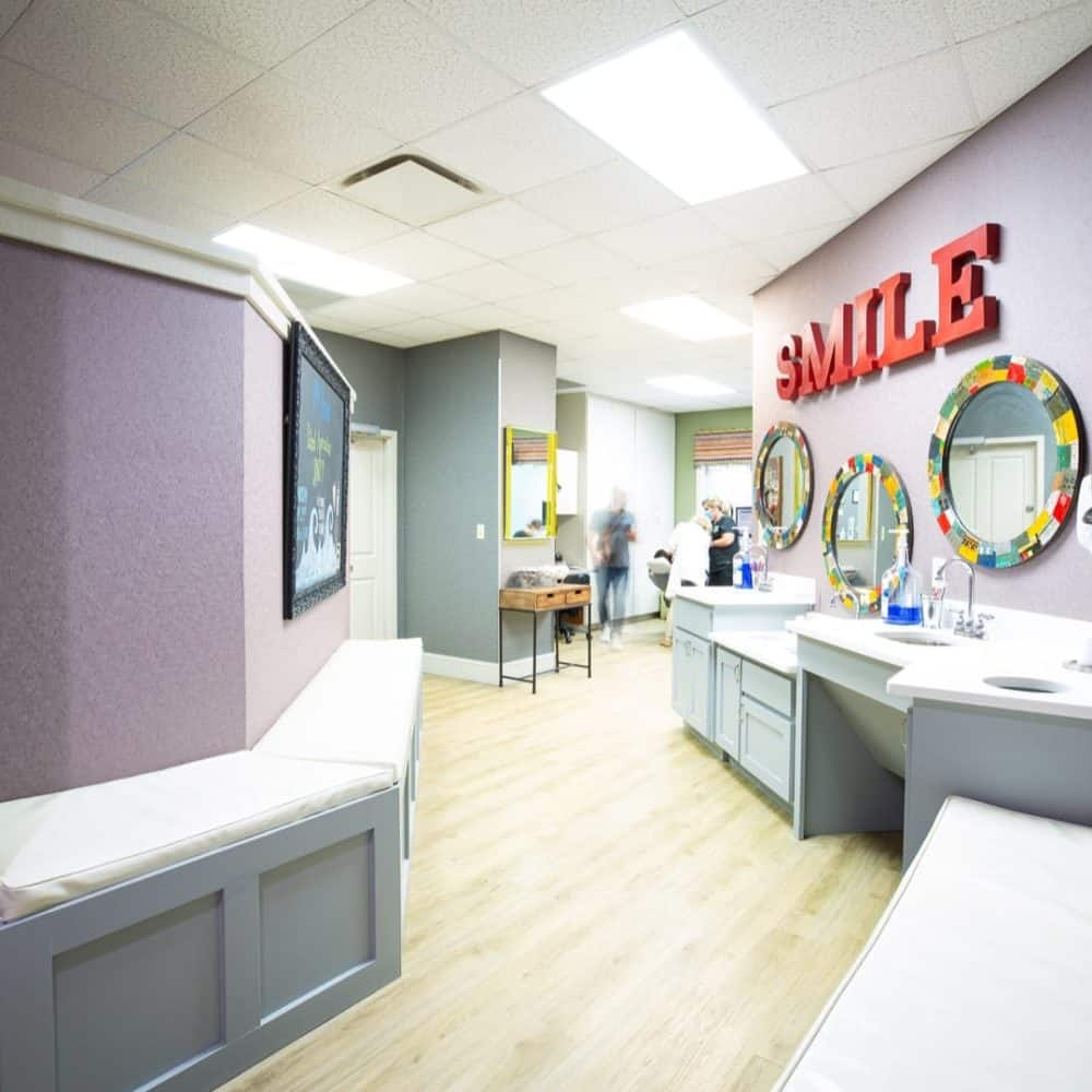 Reuland Orthodontics Interiors 2018 15 1 1000x1000 - Our Orthodontic Office