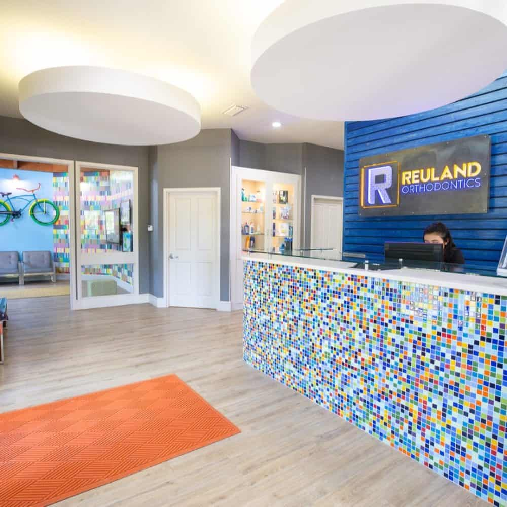 Reuland Orthodontics Interiors 2018 23 2 1000x1000 - Our Orthodontic Office