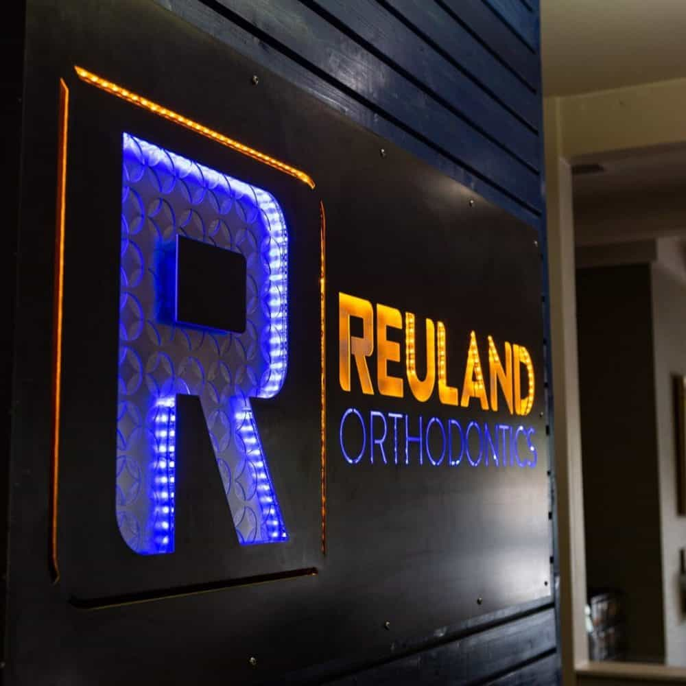 Reuland Orthodontics Interiors 2018 9 1000x1000 - Our Orthodontic Office