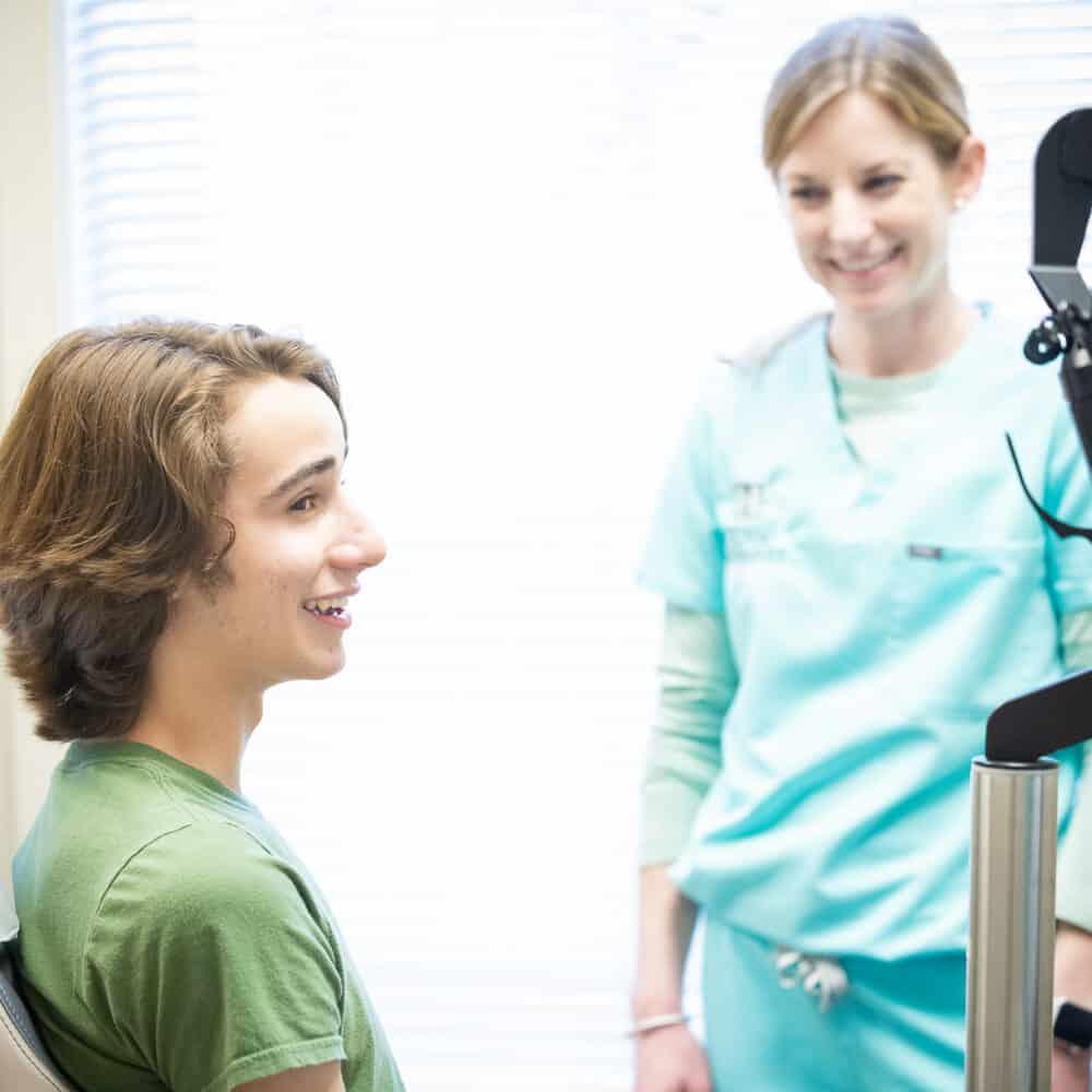 Doctor candids Reuland Barnhart Orthodontics Tyler TX 2021 121 1000x1000 - Meet Dr. Barnhart