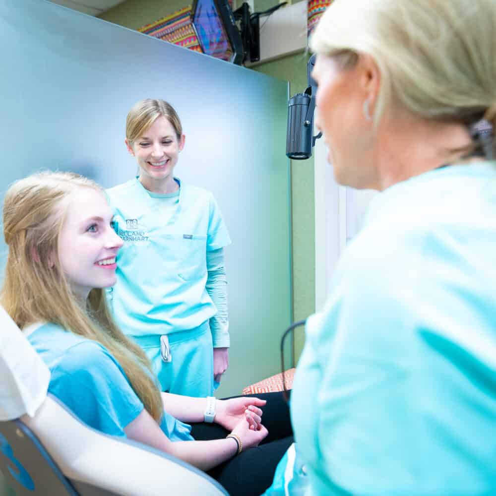 Doctor candids Reuland Barnhart Orthodontics Tyler TX 2021 43 1000x1000 - Meet Dr. Barnhart