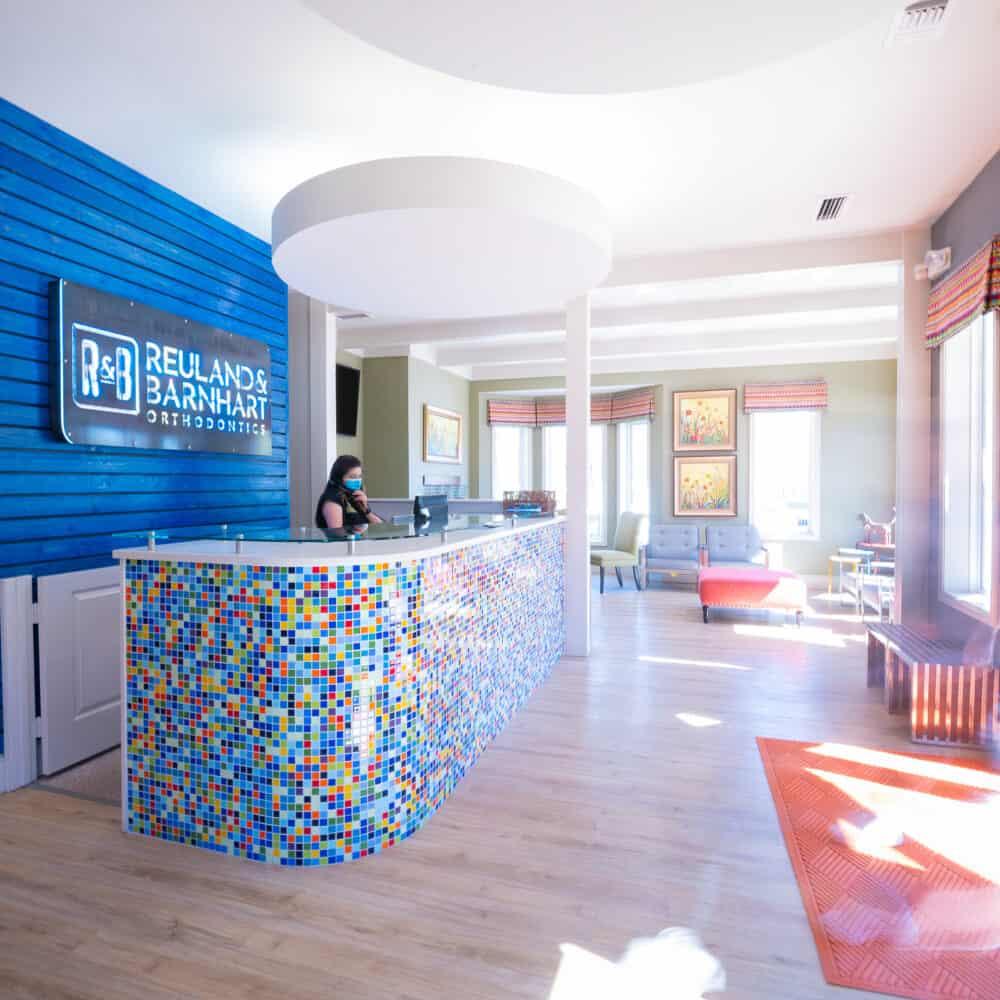 Office Interiors Reuland Barnhart Orthodontics Tyler TX 2021 12 1000x1000 - Our Orthodontic Office